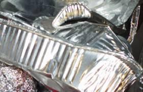 Лом алюминиевой фольги фото