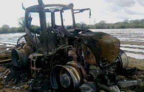 Лом трактора фото